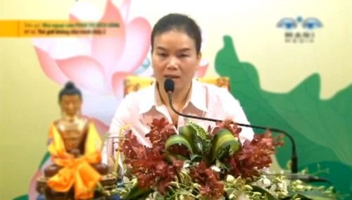 the gioi khong nhu minh thay 2 phan thich bich hang
